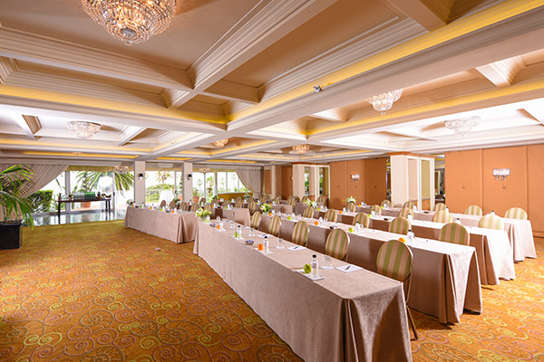 Verandah Ballroom & Terrace at La Valencia Hotel California